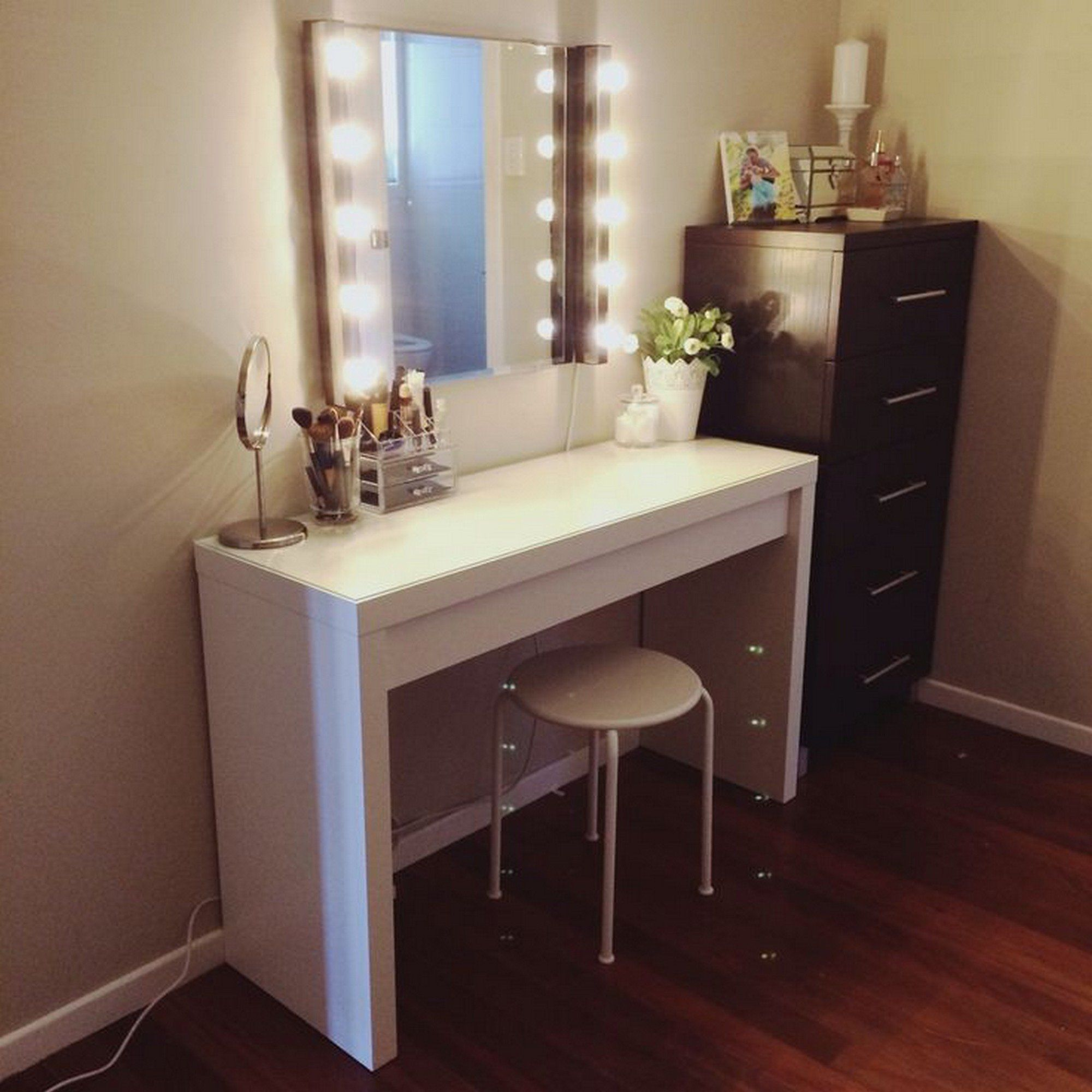 White Vanity Table And Chair Furniture Diy Wooden Makeup Vanity Table Painted With