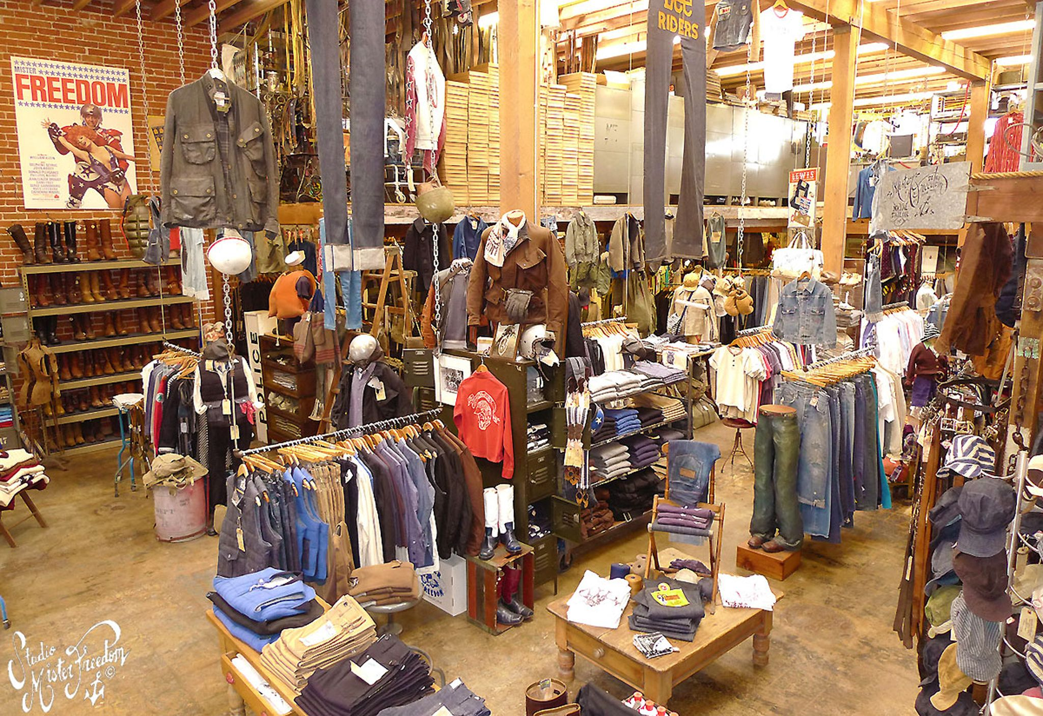 Retail Lighting Stores Sydney Best 25 43 Vintage Clothing Stores Ideas On Pinterest
