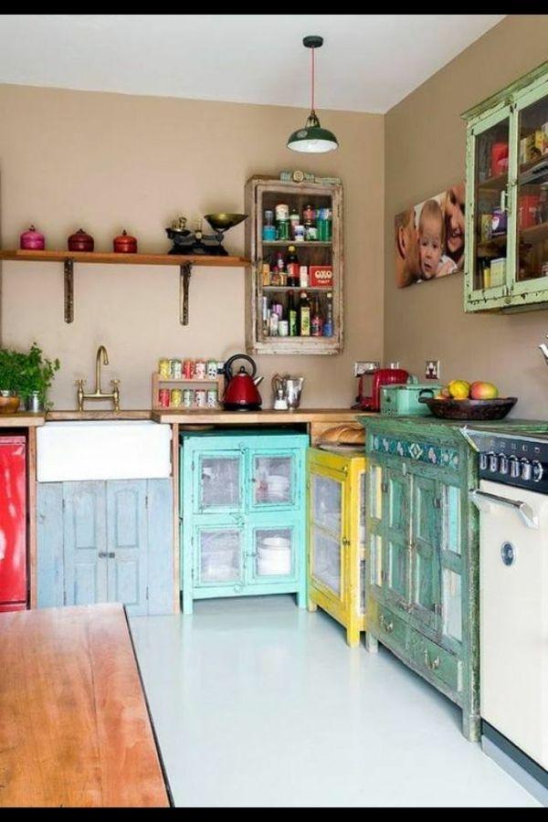 Retro Vintage Küche Mit Küchenschränken In Verschiedenen Farben   Designer  Edelstahl Kuche Retro Stil