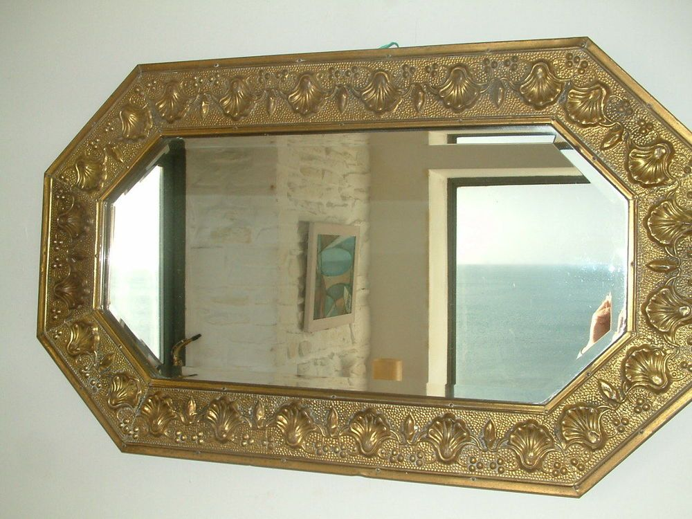 BEAUTIFUL VINTAGE BRASS FRAMED WALL MIRROR ART NOUVEAU STYLE SHELL - home decor mirrors