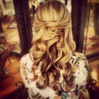 Vintage bridal hair, Bridal hairstyle, long and wavy ...