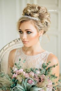 Wedding Hairstyles For Short Hair With Tiara And Veil ...