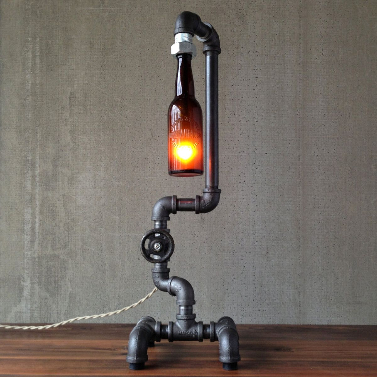 Recyclage Objet Détourné Table Lamps Made From Vintage Bottles And Iron Pipes