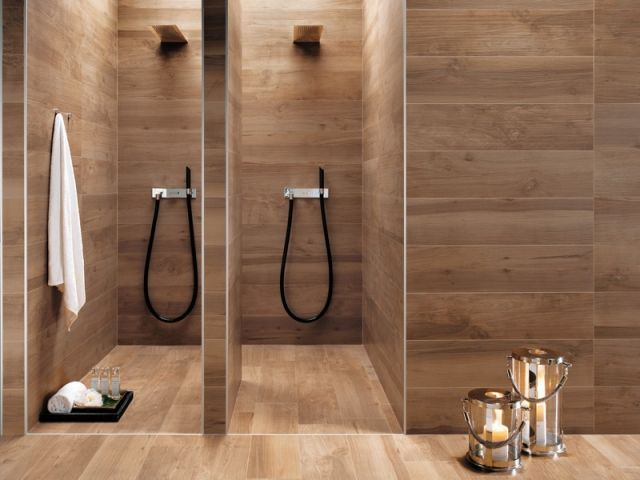 badideen-fliesen-holzoptik-warmer-holzton-duschen Badezimmer - badideen fliesen