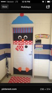 Christmas door decorating ideas: Penguin!