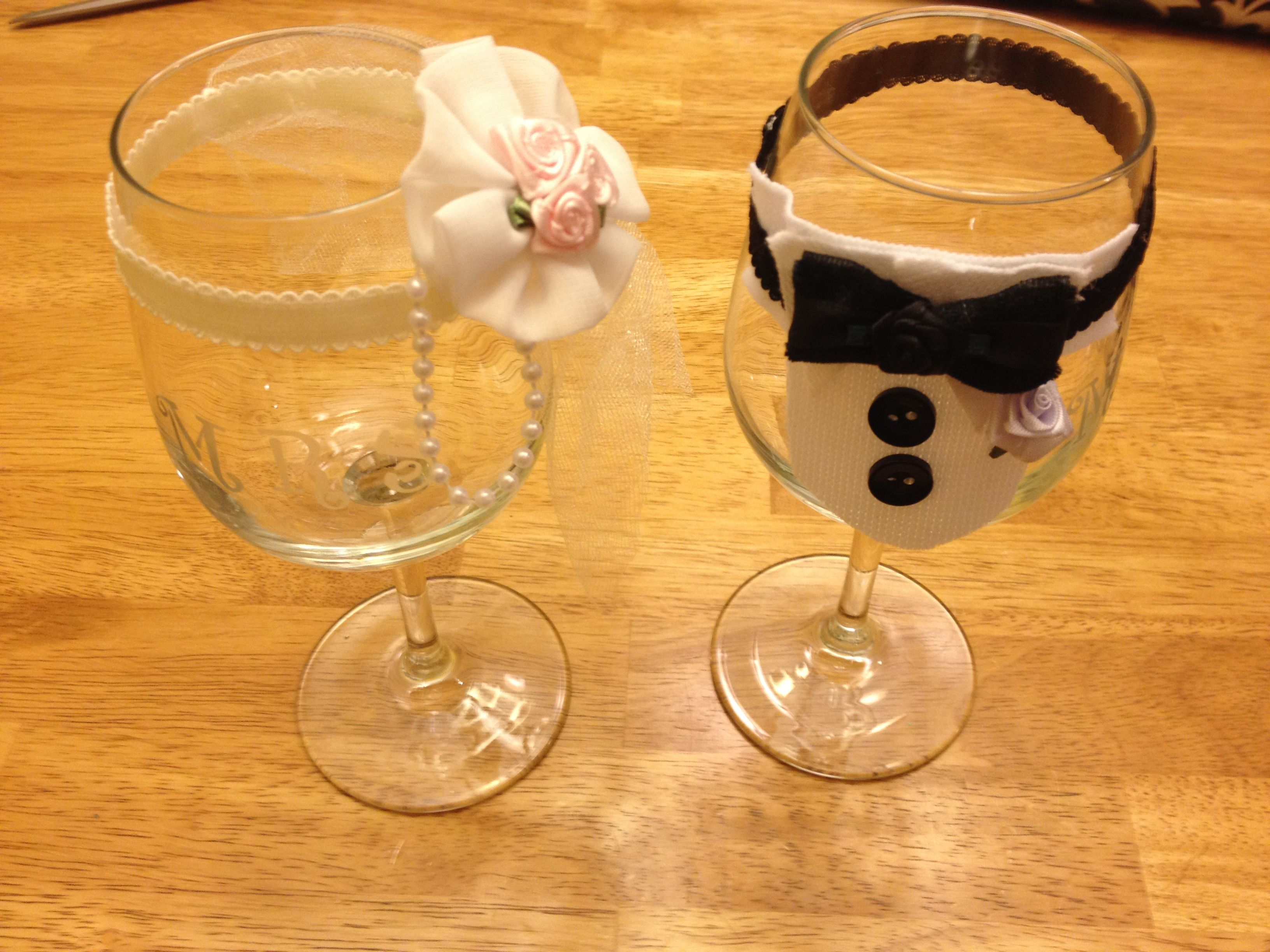 Diy Wedding Champagne Glasses Ideas Bride And Groom Decorated Wine Glasses Diy Etched With