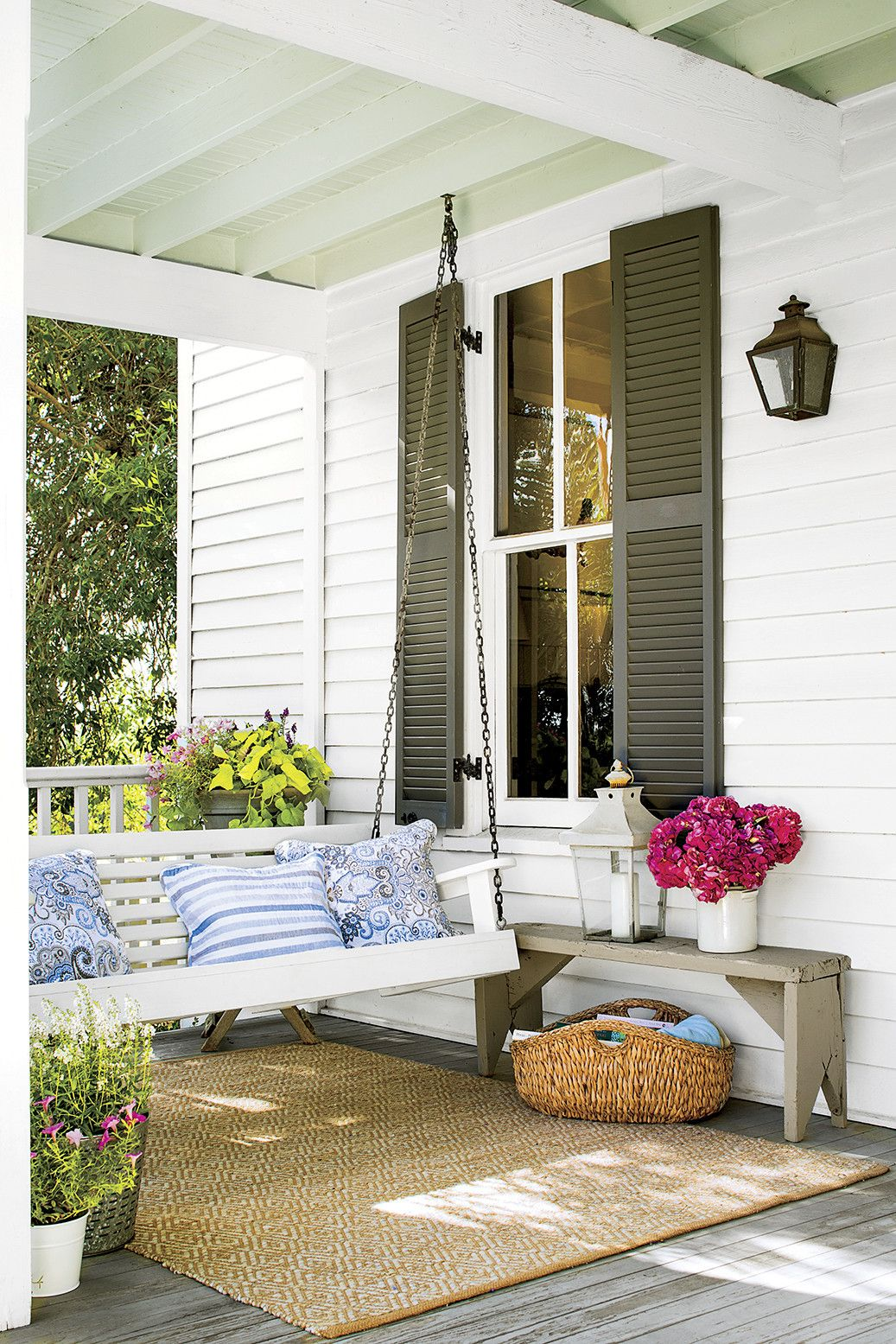 Farmhouse Front Porch Swing The Essentials Of Southern Girl Style Back Porches