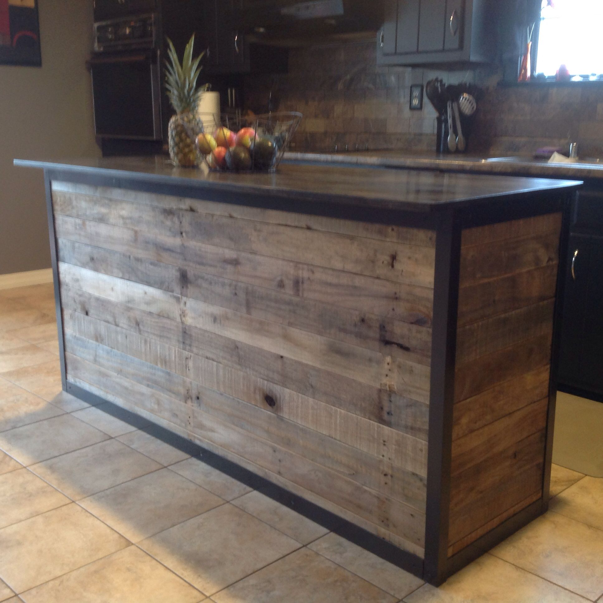 Western Countertops Diy Kitchen Island Made From Pallet Wood House Ideas