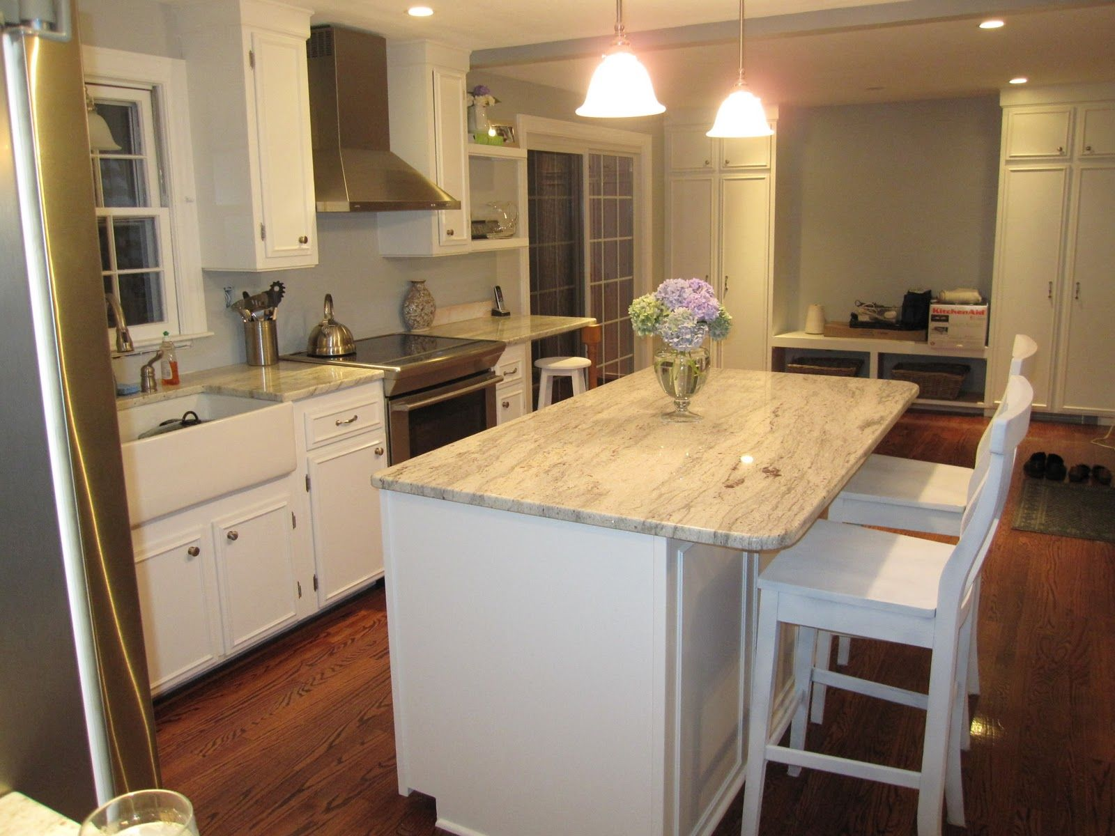 What Color Countertops Go With White Cabinets White Cabinets With Granite Countertops Diy Kitchen