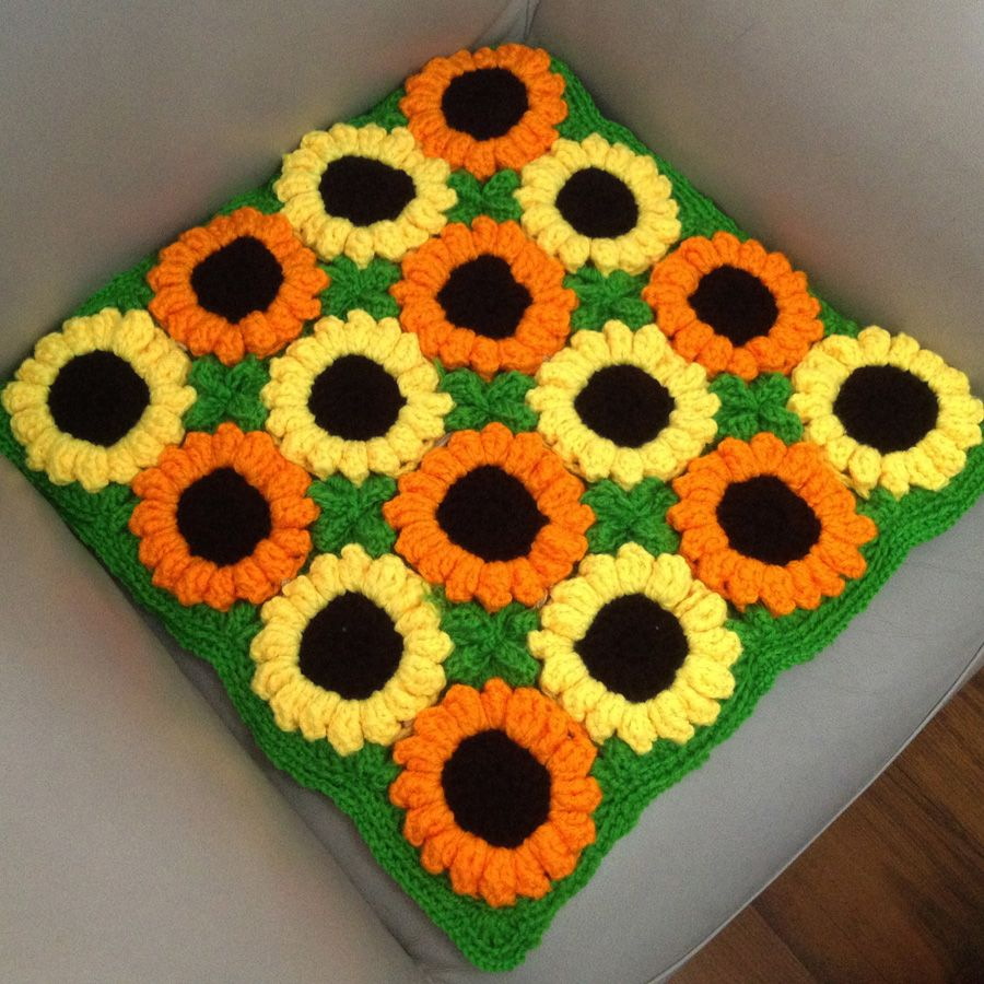 Handmade cushion sunflower hook needle mat decoration yarn table mat sofa car knitted cushion rustic floor