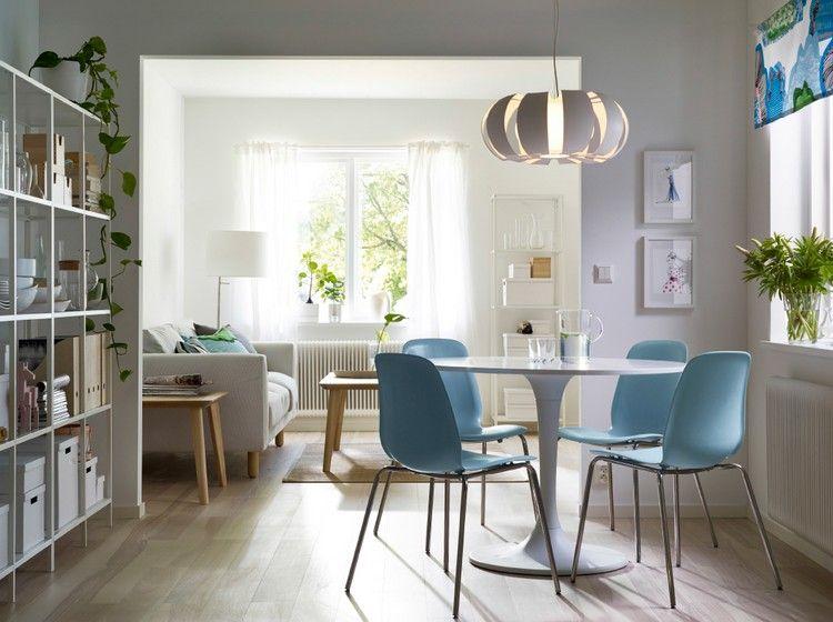 weißer runder Esstisch und blaue Stühle Küche Pinterest - ikea esstisch beispiele skandinavisch