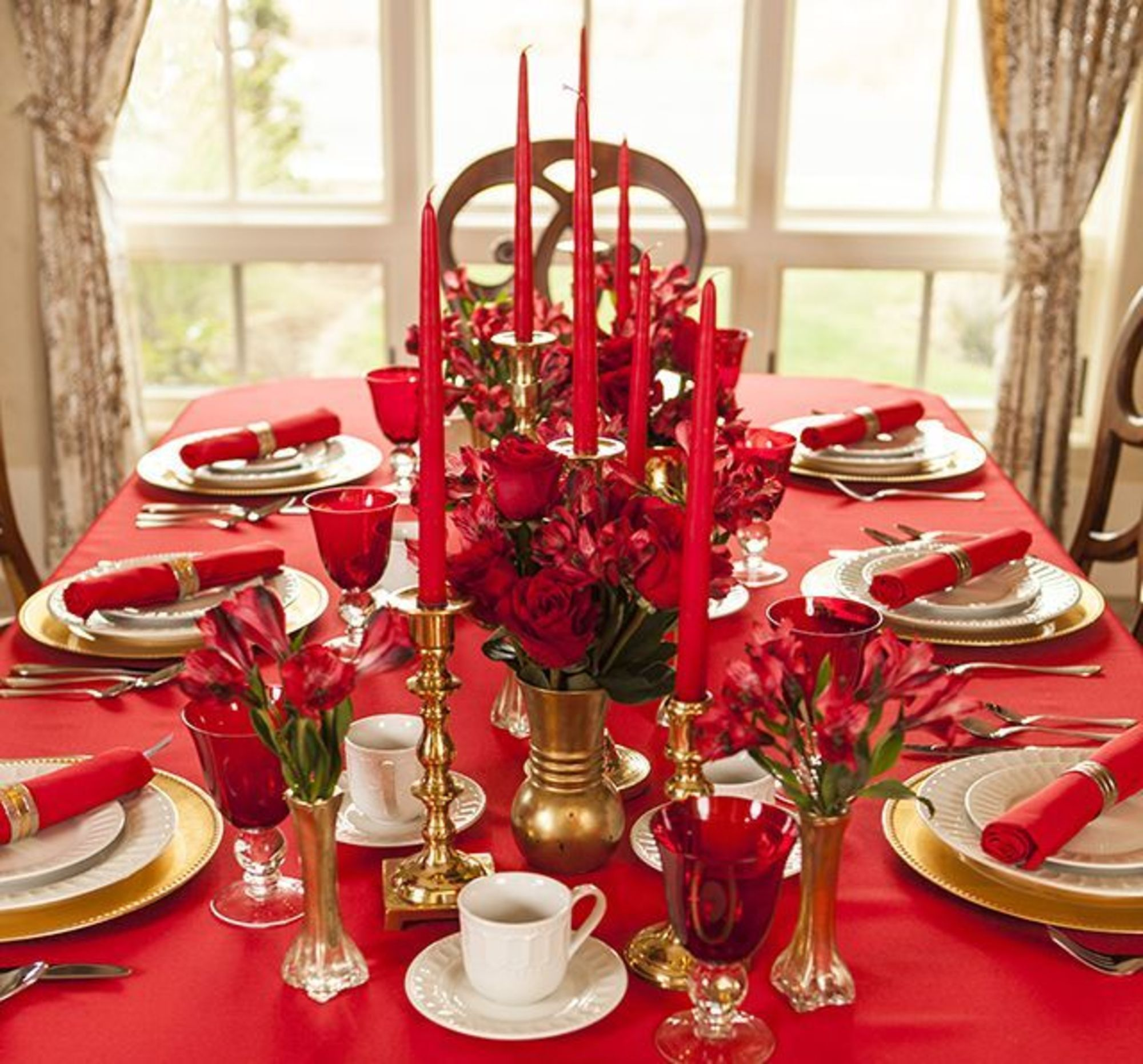 Pinterest Table De Noel Déco Table Noel Table De Fête En Rouge Et Or Table De