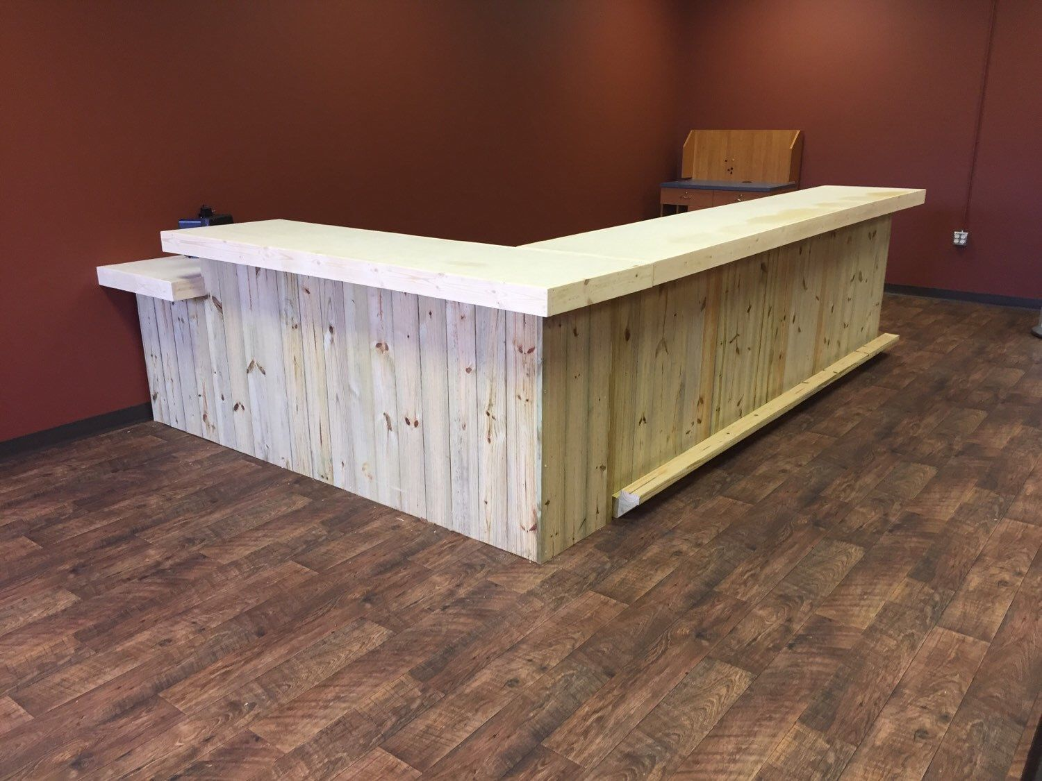 Sale Counter Design The Lounge Up To 20 39 Rustic Retail Sales Counter