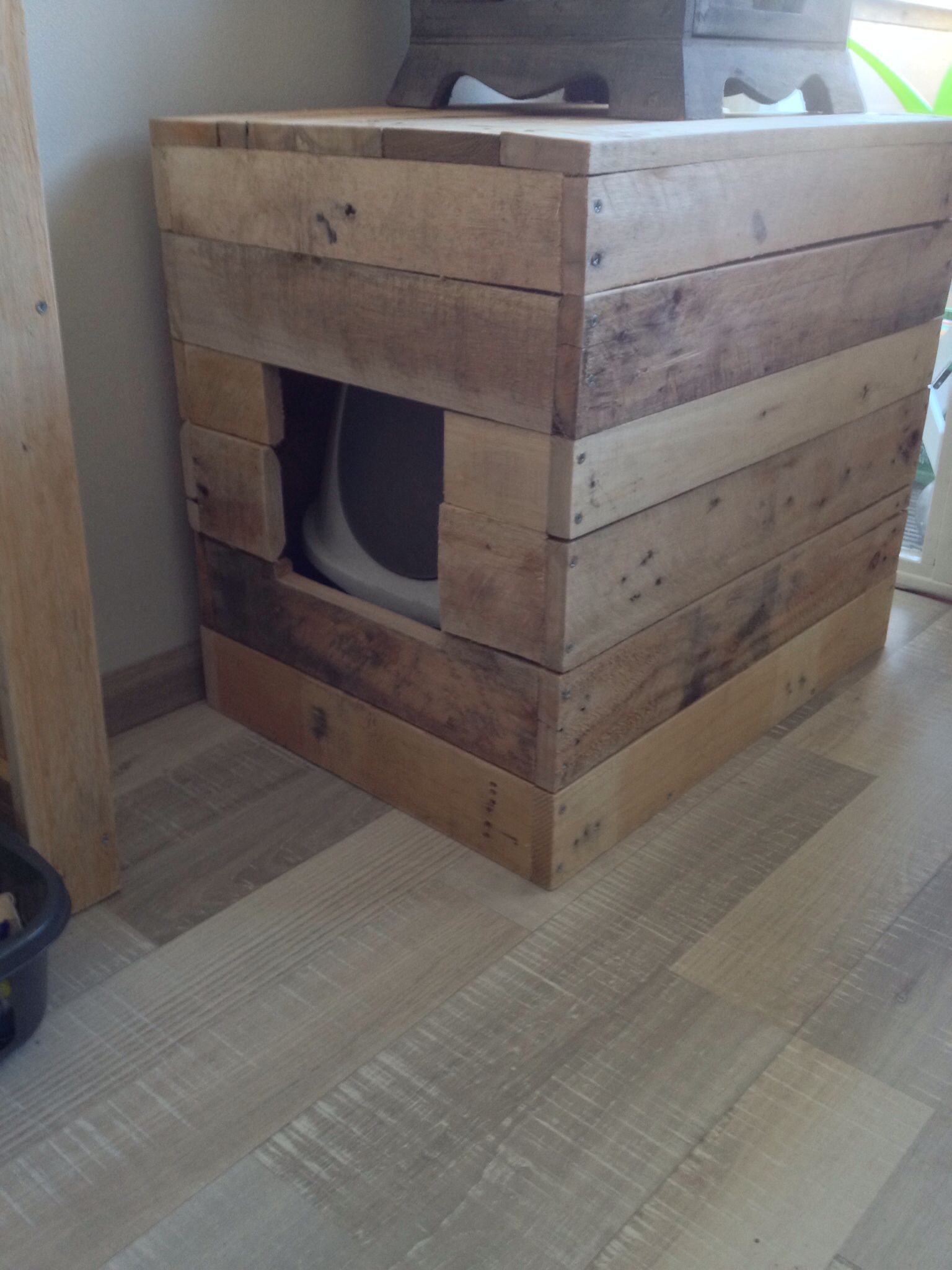 Kattenhuis Hout Kattenbak Pallethout Pinterest Litter Box Cat And
