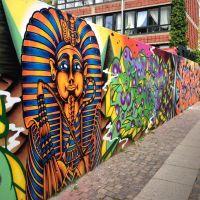 Beautiful Egyptian street art painting in Vesterbro ...