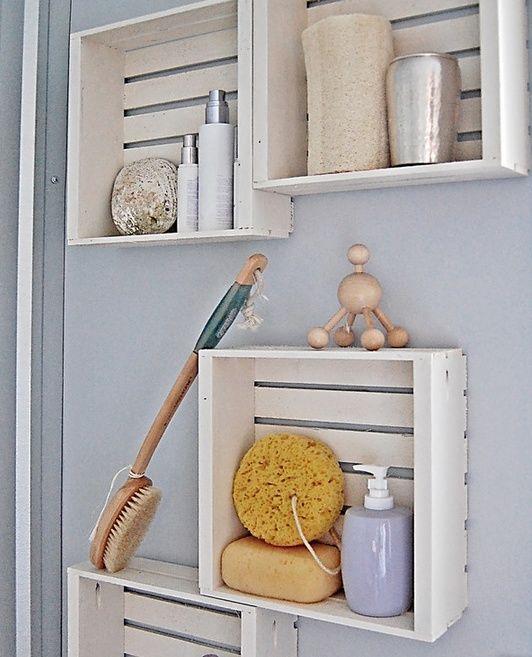 kreative Wandgestaltung badezimmer mit DIY Badezimmerregalen aus - badezimmer do it yourself