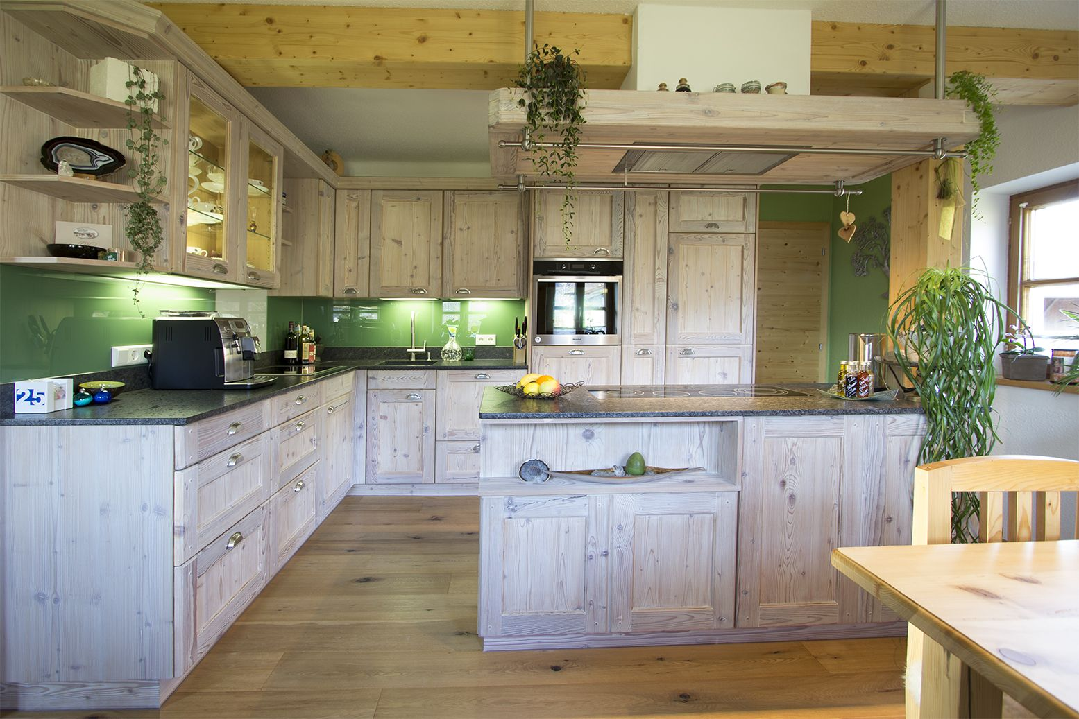 k che in gr n gestalten ideen f r die k chen farbgestaltung 11 bilder von. Black Bedroom Furniture Sets. Home Design Ideas