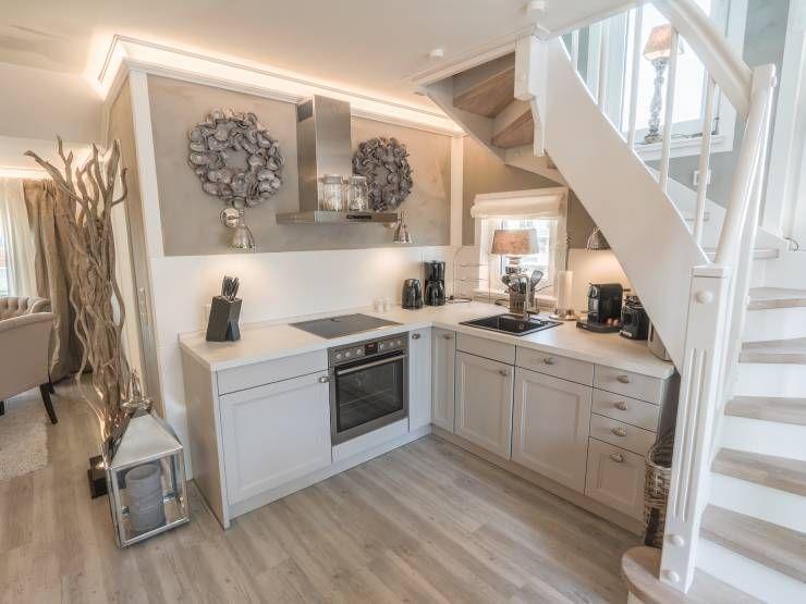 Luxuriöse Wohlfühlwohnung auf zwei Ebenen Scharbeutz - zauberhafte kuche landhausstil einrichten