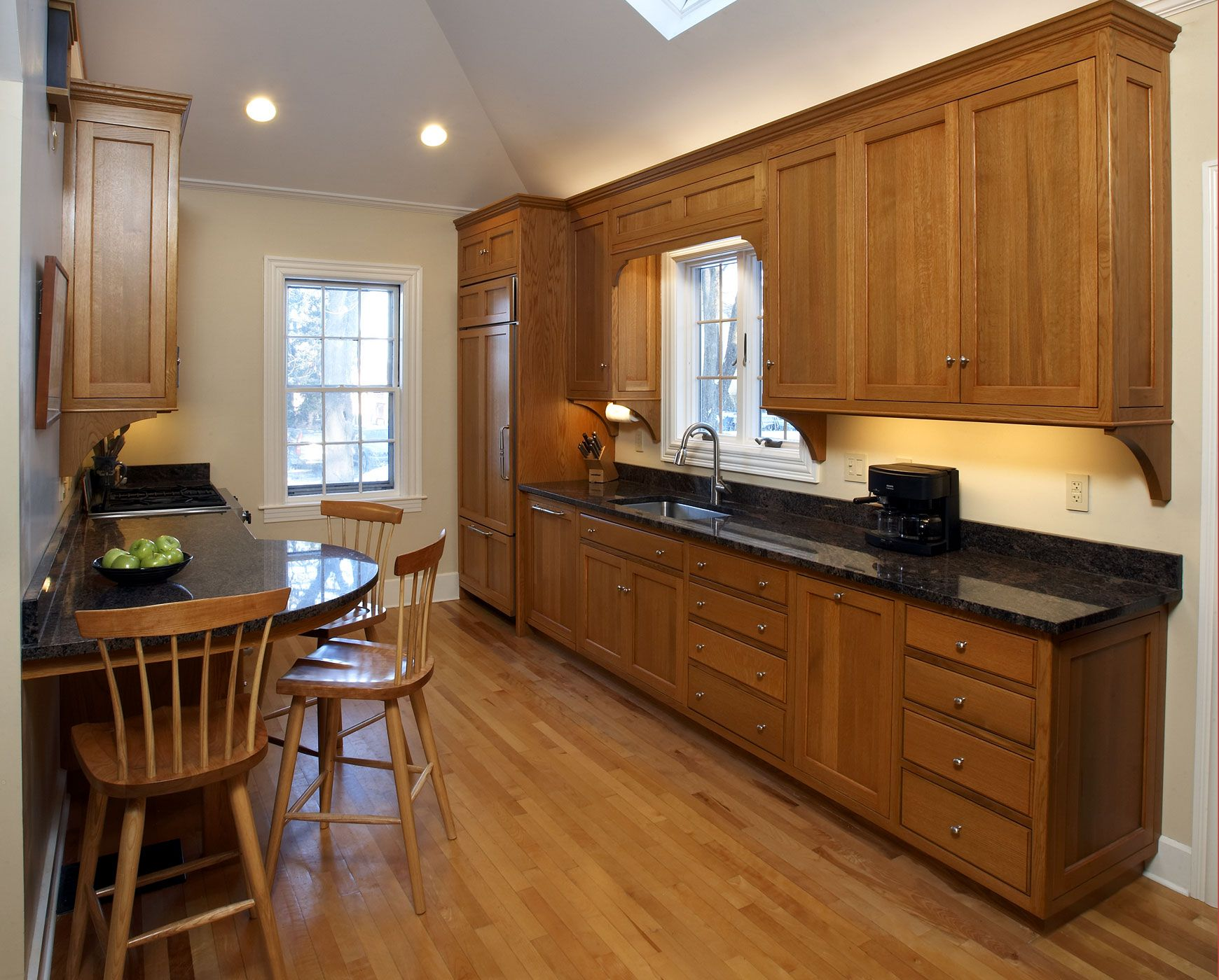 Red Kitchens With Oak Cabinets Kitchens With Oak Cabinets Dovetail Kitchen Oak 2