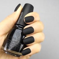 One can never go wrong with a chic matte black look for ...