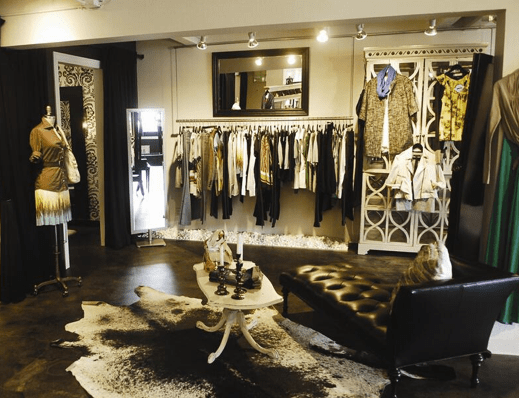 Boutique Einrichtung Display Clothing At Home Like A Cute Boutique. | Store