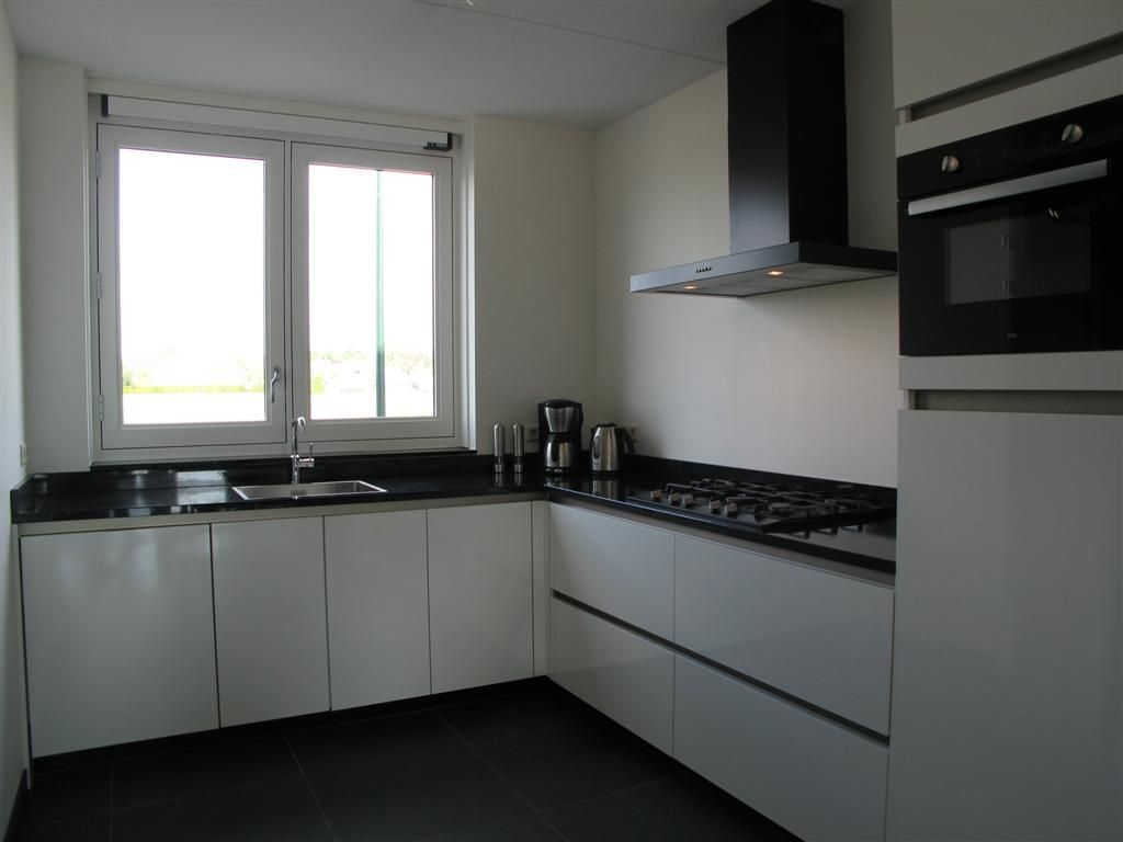 Moderne Hoogglans Keuken : Hoogglans grijze keuken genoeg hoogglans grijze keuken uz
