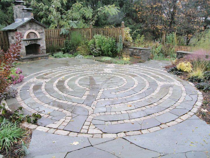 Round Patio with handcut inset design Gardening Pinterest - labyrinth garden design