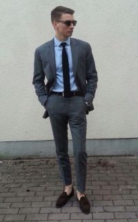 grey suit, blue shirt and blue tie   1. suited outfits ...