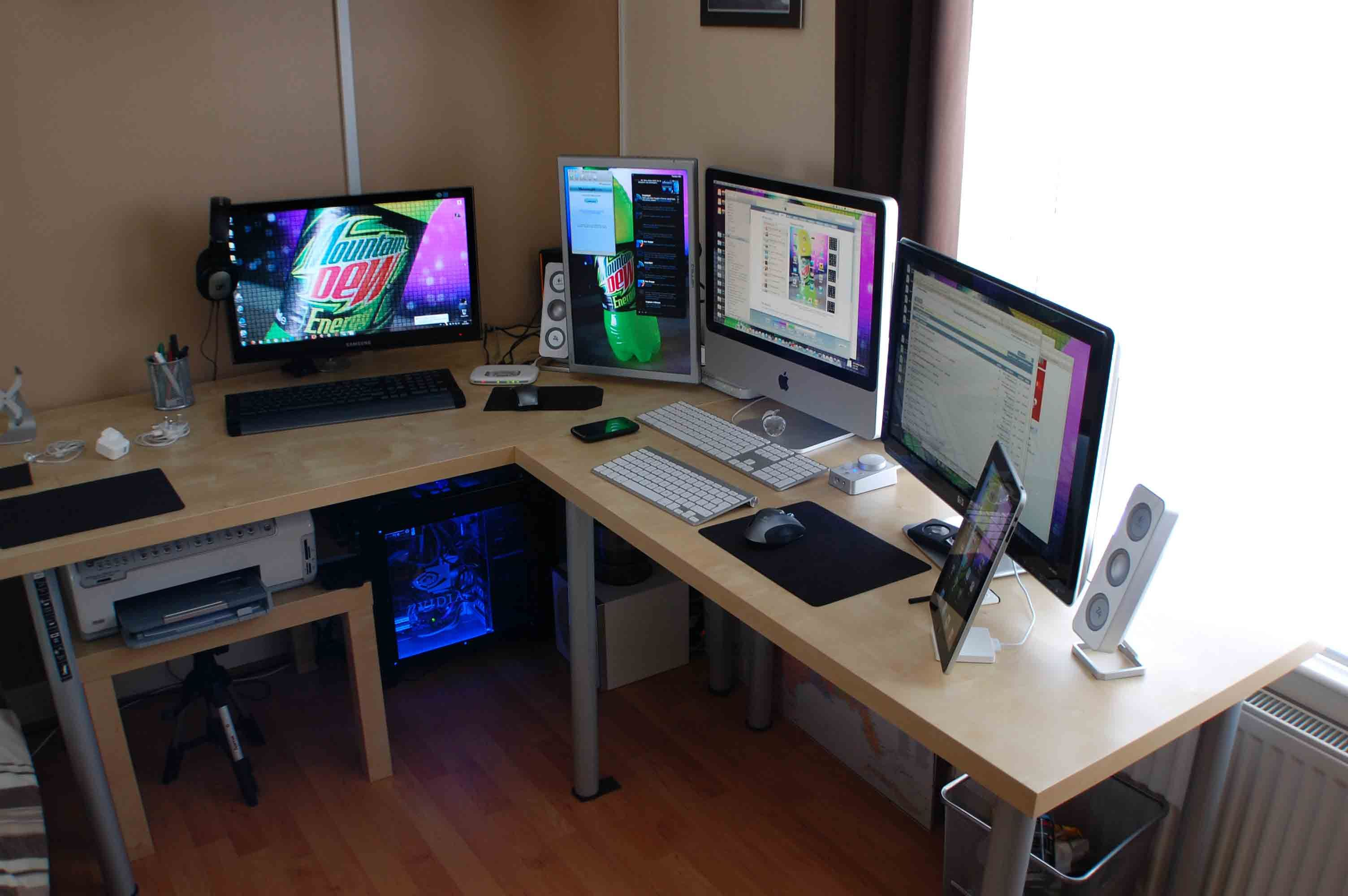 Cool Office Setups Surrounded By Macs Yesplease Cool Mac Comp Setups