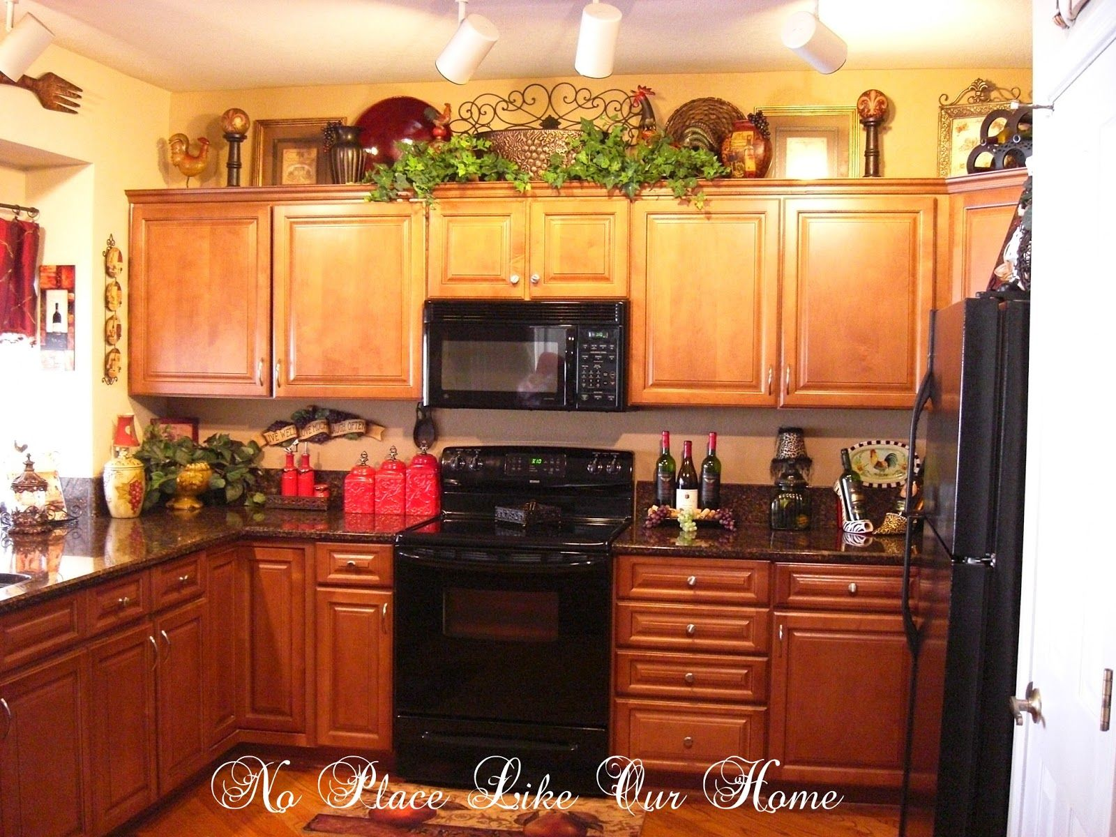 Themed Kitchen Decor Ideas Decorating Above Kitchen Cabinets Tuscany Here 39s A
