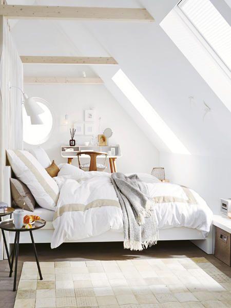 Unterm Dach Schlafzimmer mit Schrägen einrichten Mehr Ideen zu - schlafzimmer dachschrage einrichten