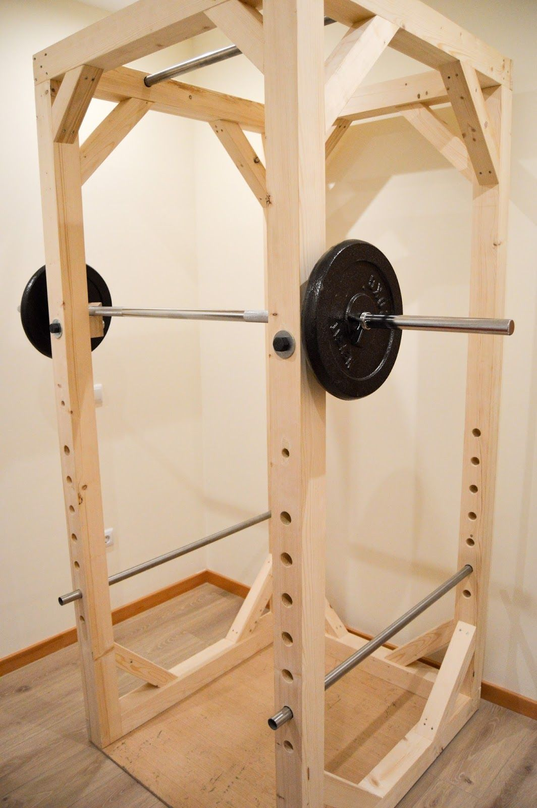 Diy Garage Gym Equipment Homemade Diy Power Rack Diy Fitness Equipment
