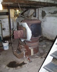 very old coal stoves | old Octopus Furnace, minus sheet ...