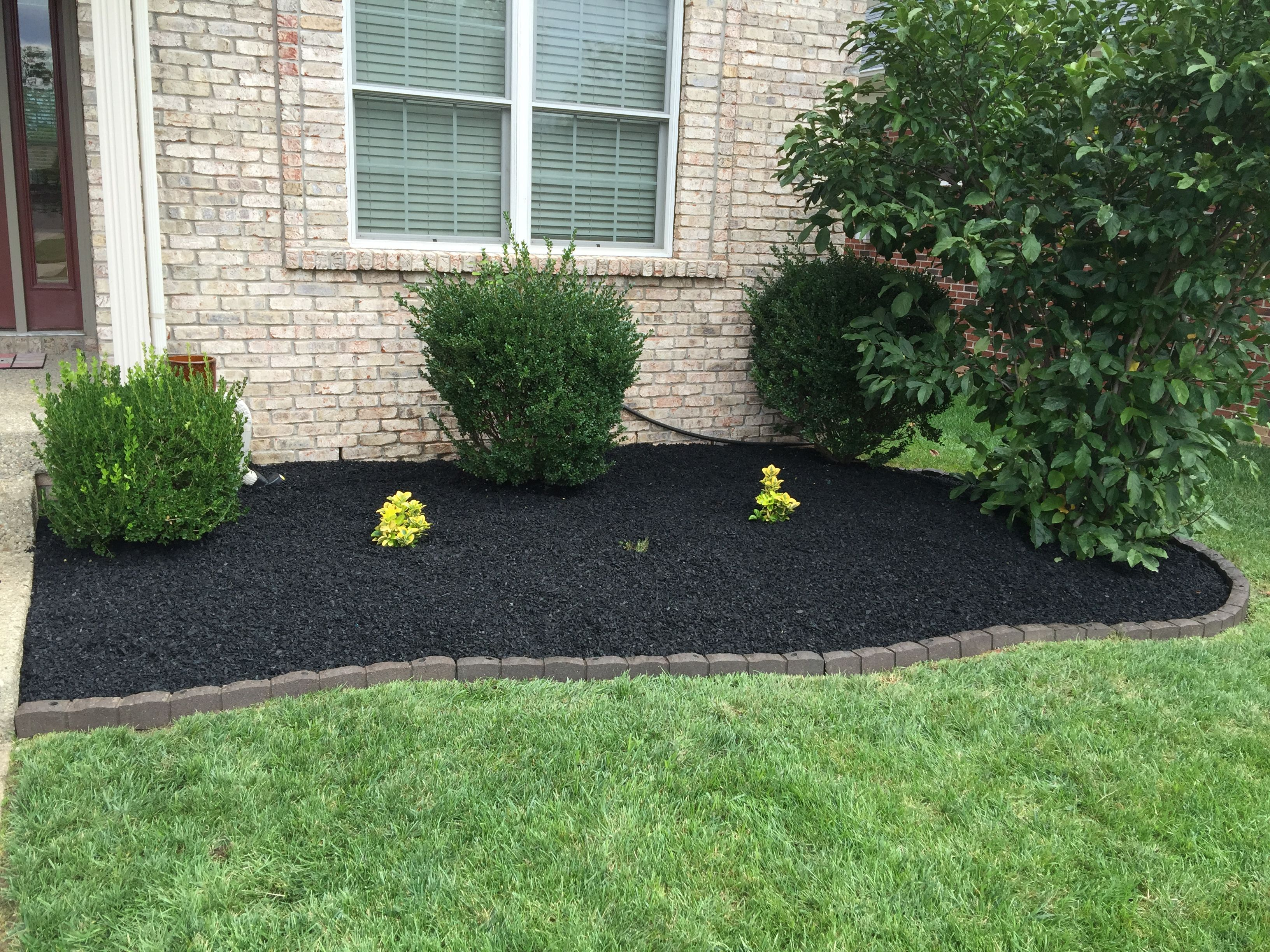 Can rubber mulch prevent weeds in my flower bed