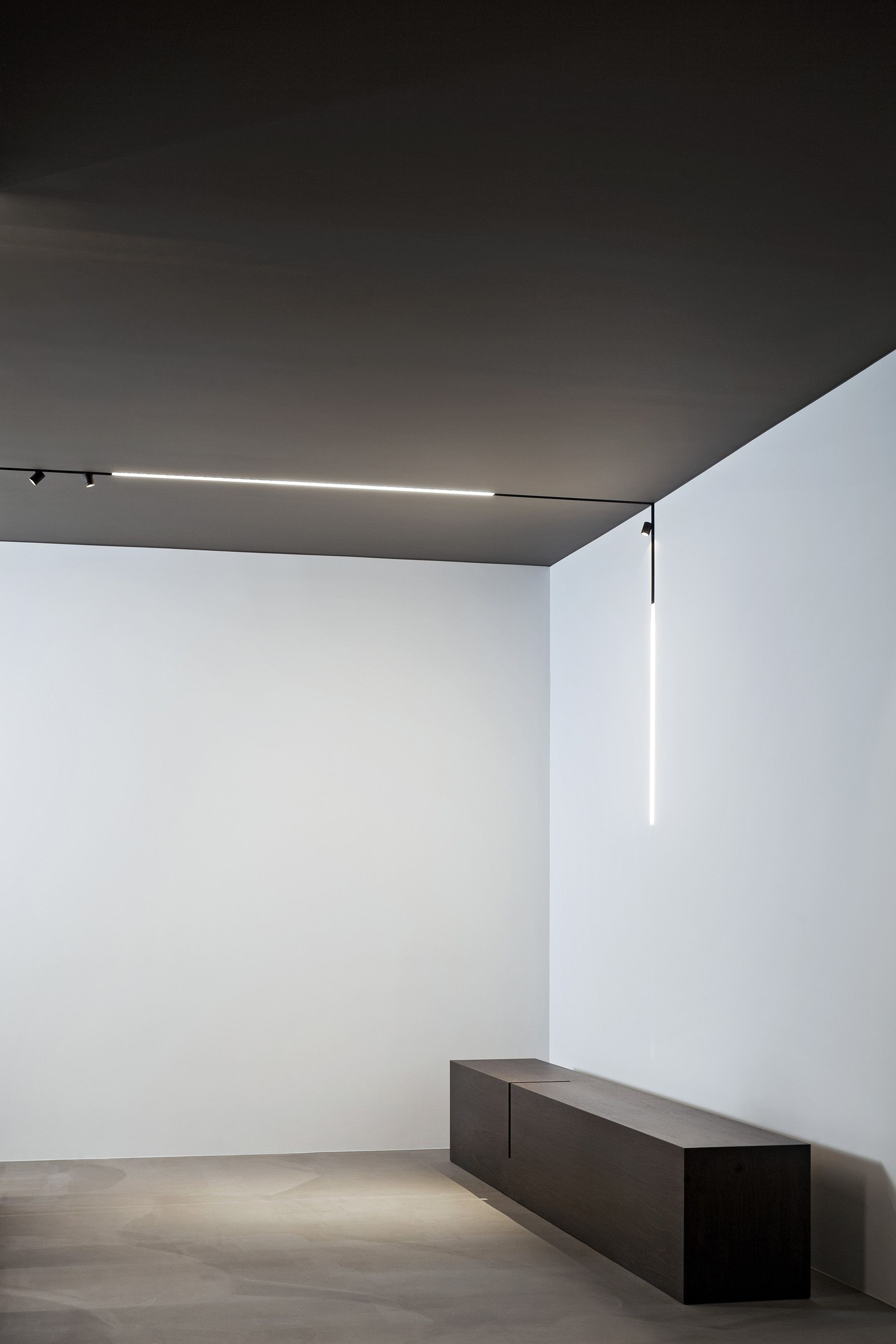 High Tech Lamp A High Tech Led Lighting System For Interior Architecture