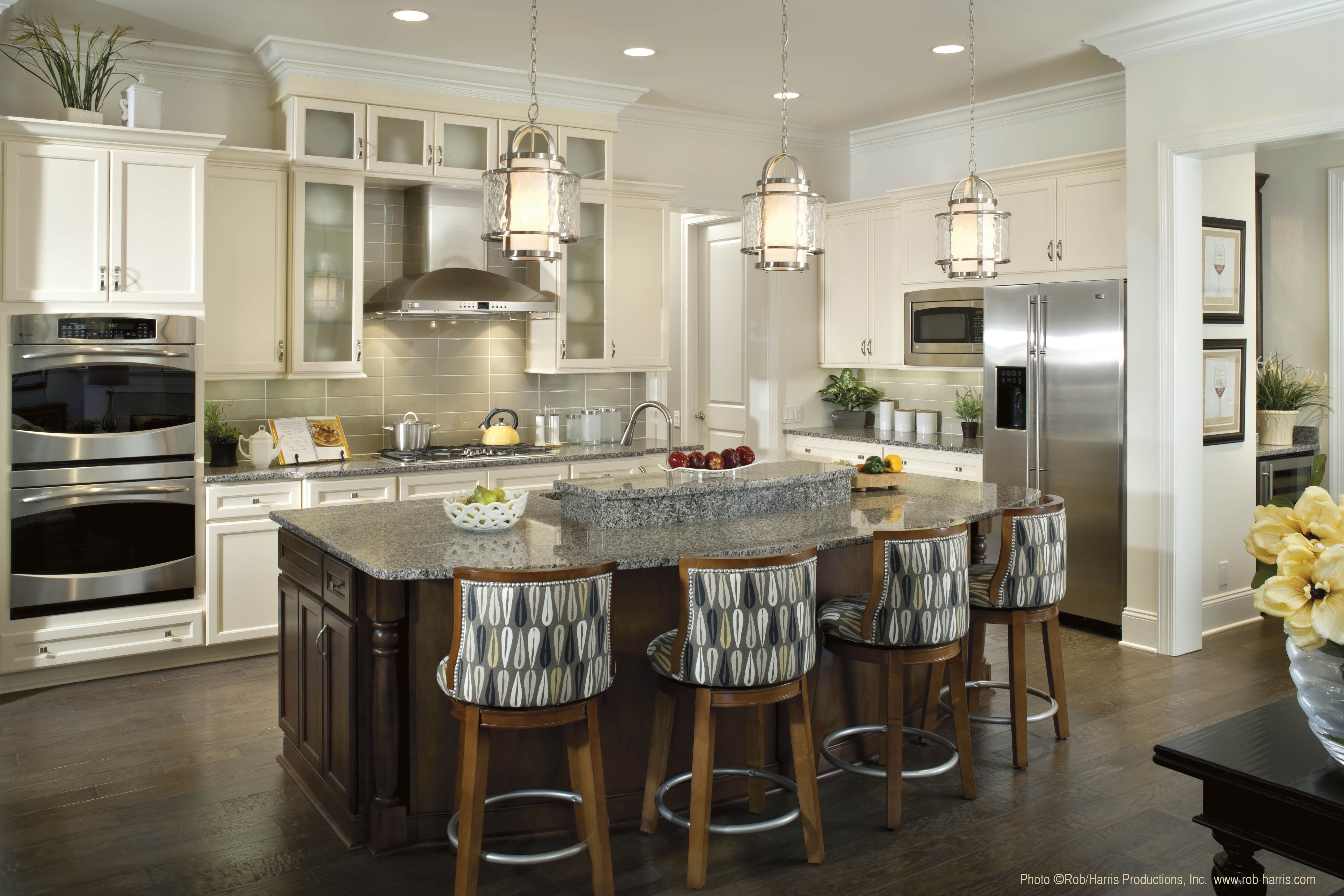 Pendant lighting over kitchen island the perfect amount of accent lighting over