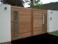 modern wooden gate http://www.pinterest.com/avivbeber3 ...