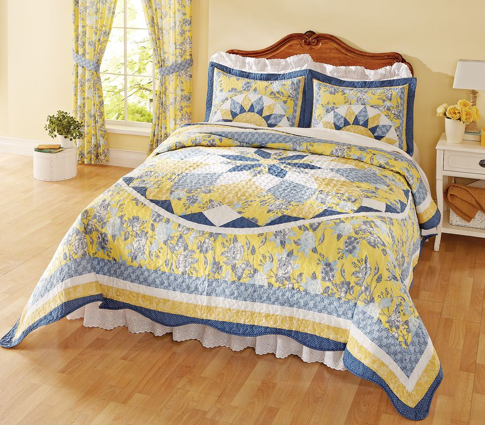 Patchwork quilted bedspread french star blue yellow this beautiful french inspired quilt features lovely