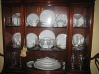 How to display crystal glassware and china | HOME ...
