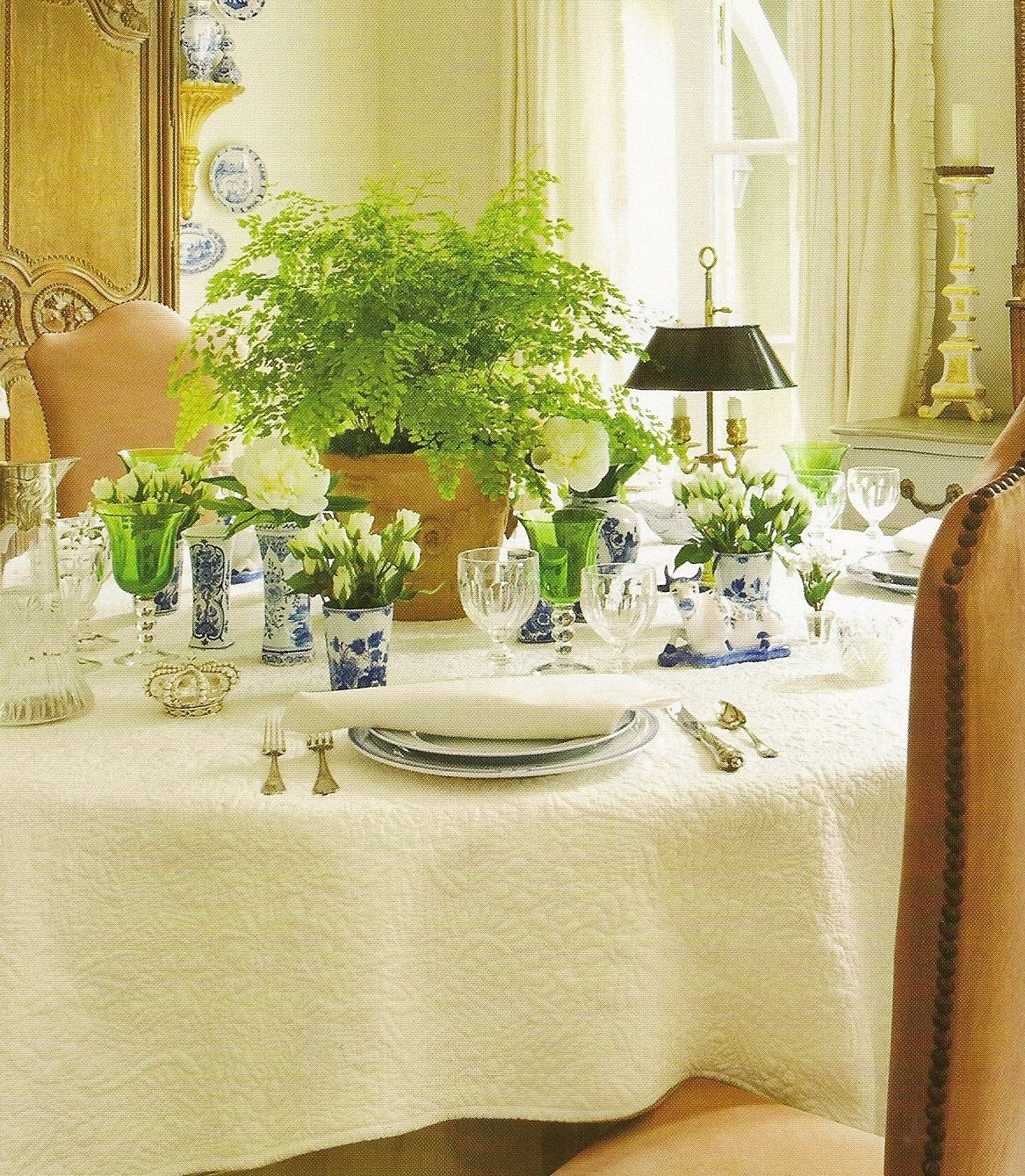 Use of a maidenhair fern as the centerpiece adds color and delicacy liking the tiny