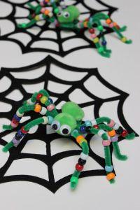 Halloween kids' craft: fuzzy pipe cleaner spiders ...
