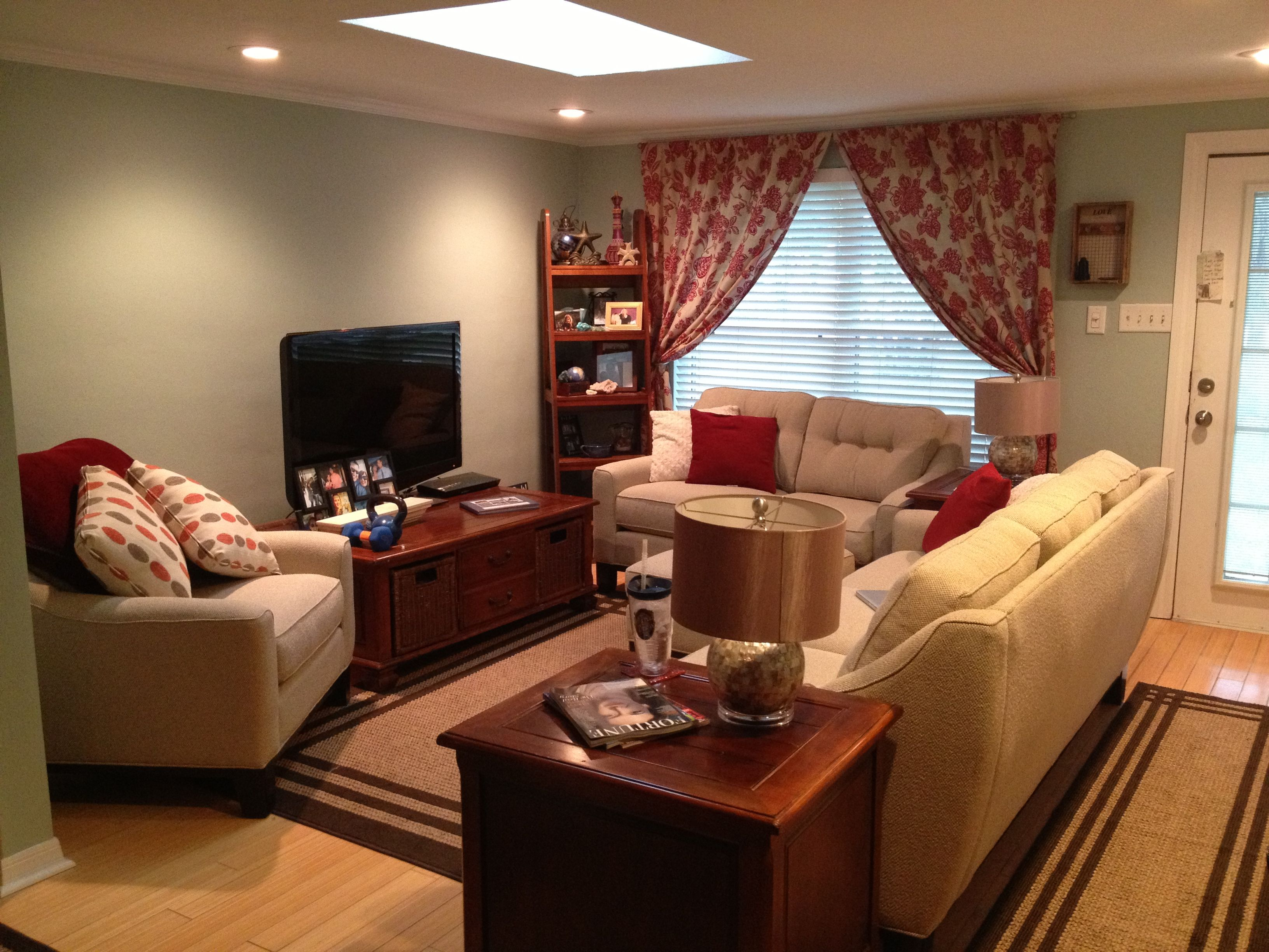 Small living room design and decoration