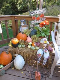 fall hay bale decorating ideas | The Lazy Peacock: Fall ...