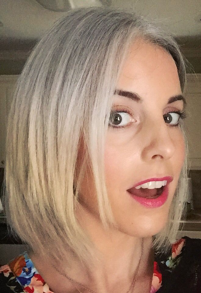 Coloured Hair Roots 9mths Growing Out Gray Hair Grey Grace Pinterest