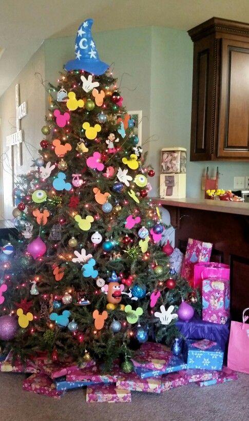 Disney themed christmas tree - Disney Christmas decorations Ho - disney christmas decorations