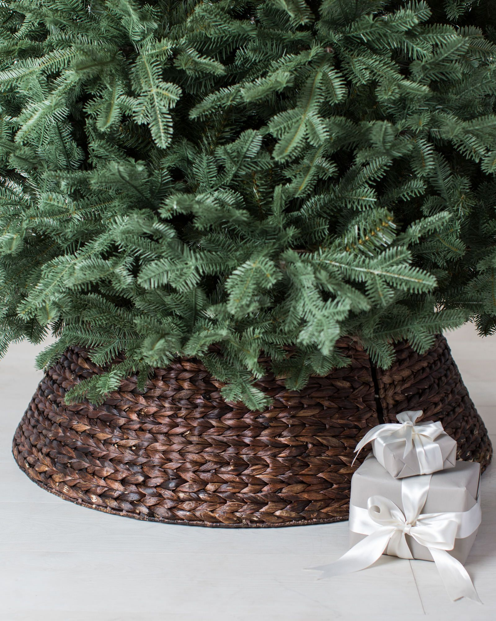 Christmas Tree Collar Woven Tree Collar Balsam Hill Pinteres