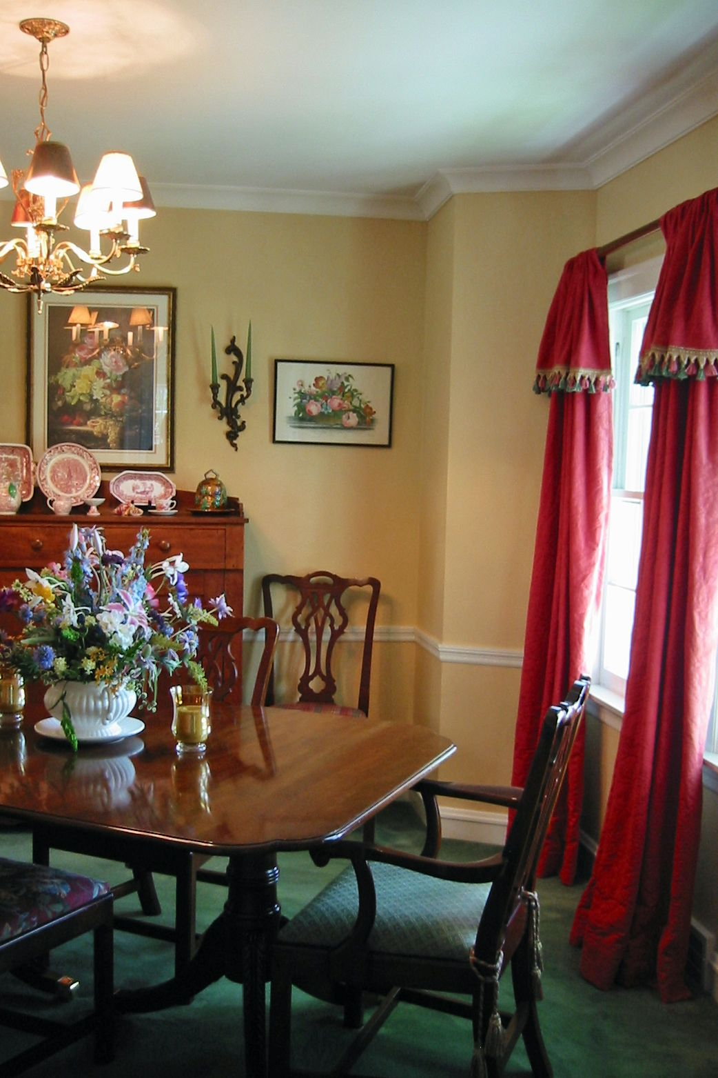 Kitchen Curtains For Yellow Walls Dining Room Yellow Walls With Red Drapes Dining Room
