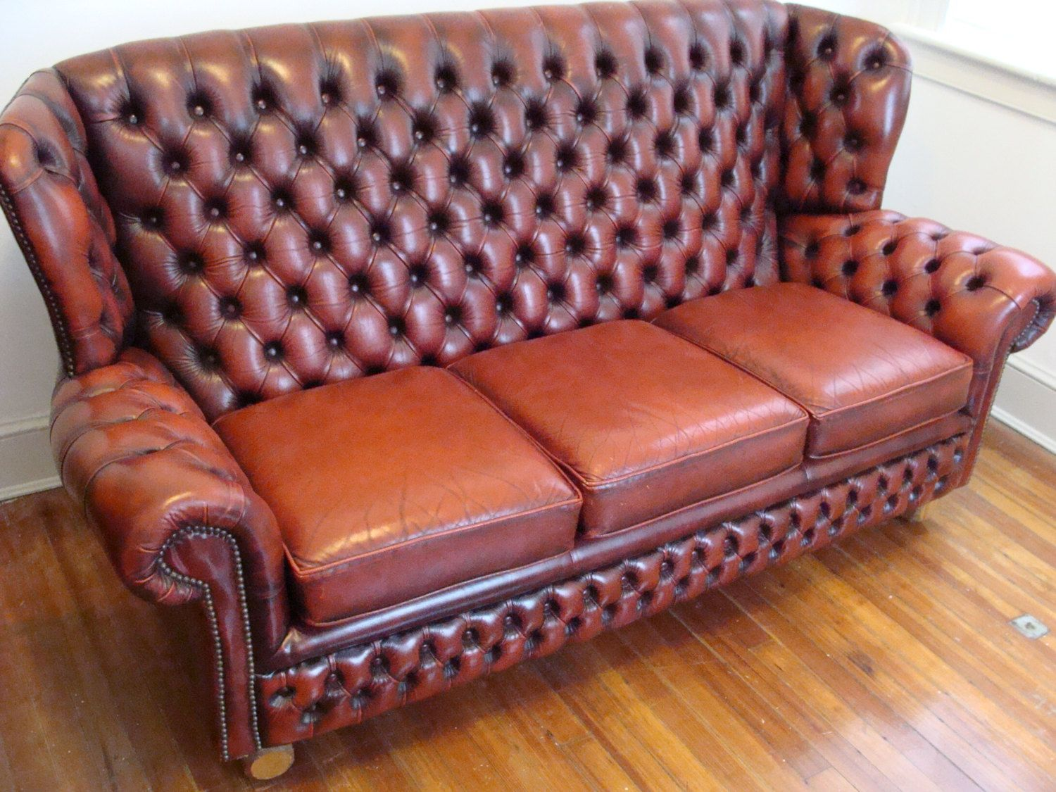 Gorgeous vintage english monks chesterfield sofa tufted high wing back british 3 seater couch 6ft