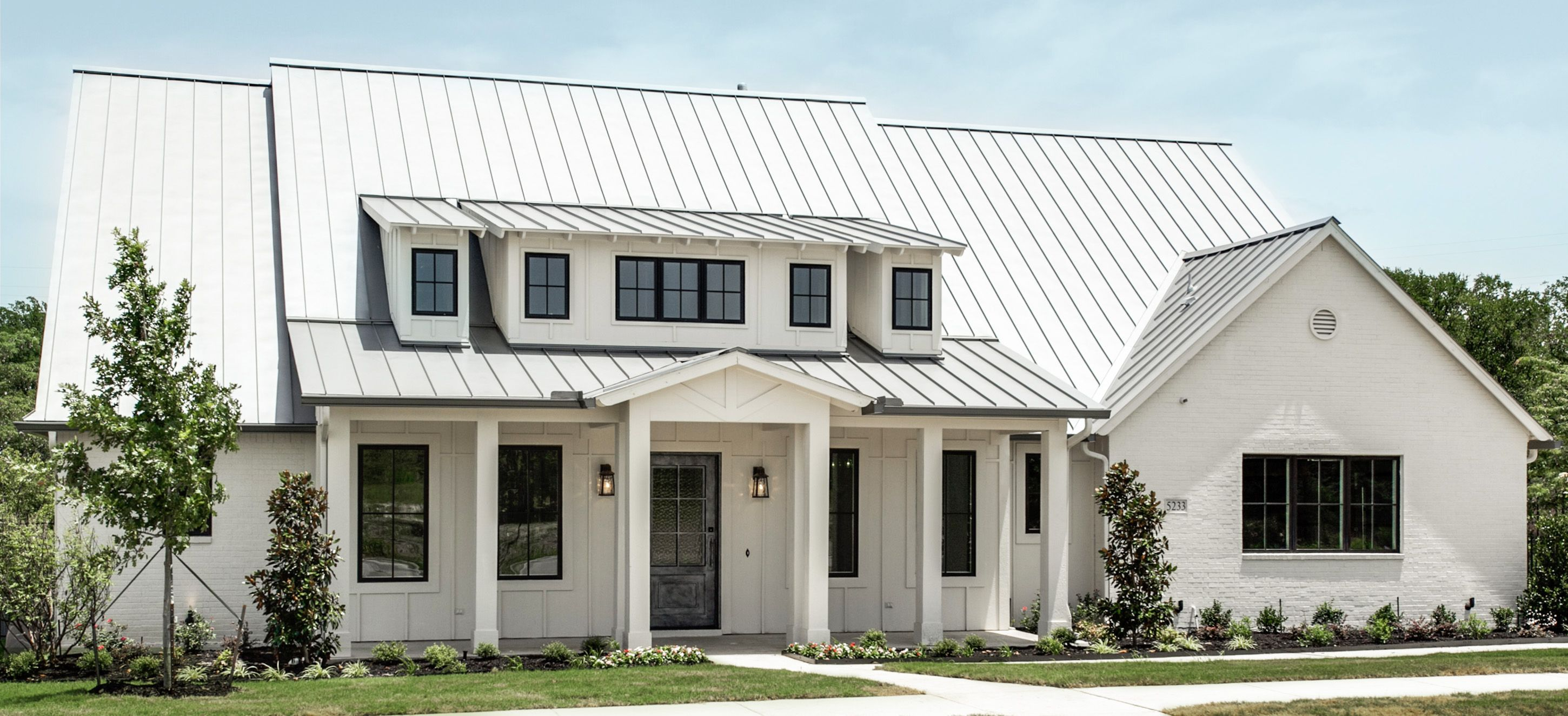 Farmhouse Exterior Colors With Metal Roof Modern Farm House La Cantera Metal Roof White Painted