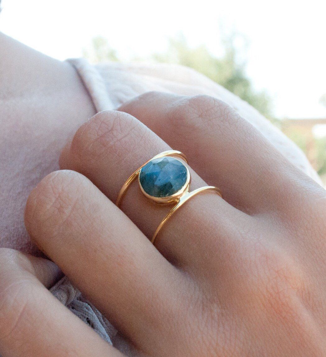 labradorite wedding ring Labradorite Ring Gold Ring Statement Ring Gemstone Ring Labradorite Bridal Ring Wedding Ring Organic Ring Natural